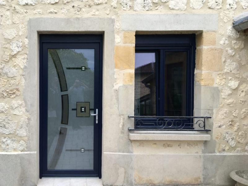 pose de porte d'entrée et fenêtre motorisé par Ecotech Fermetures - Ardennes
